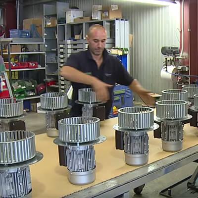 Depuis plus de 50 ansAREM vous propose une large gamme de ventilateurs, Hélicoïdaux et Centrifuges